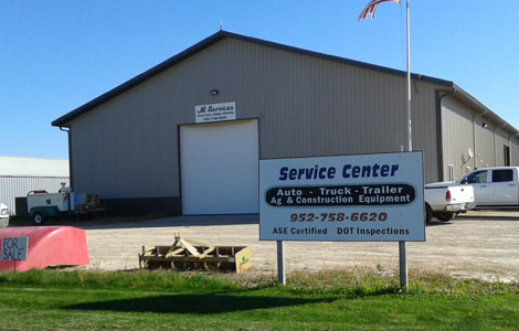 Farm equipment, construction equipment, commercial vehicle truck and trailer repair near New Prague, MN.